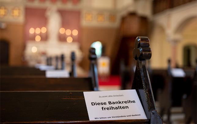 Ein Gottesdienst rührt in der Pandemie zu Tränen